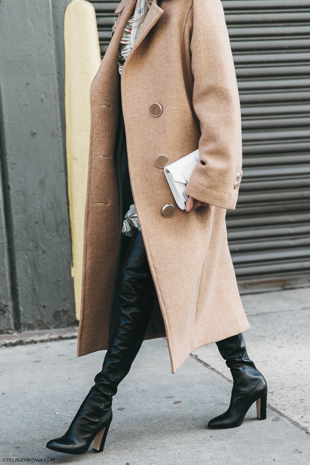 NYFW-New_York_Fashion_Week-Fall_Winter-17-Street_Style-Helena_Bordon-Camel_Coat-XXL_Boots-Over_The_Knee-1