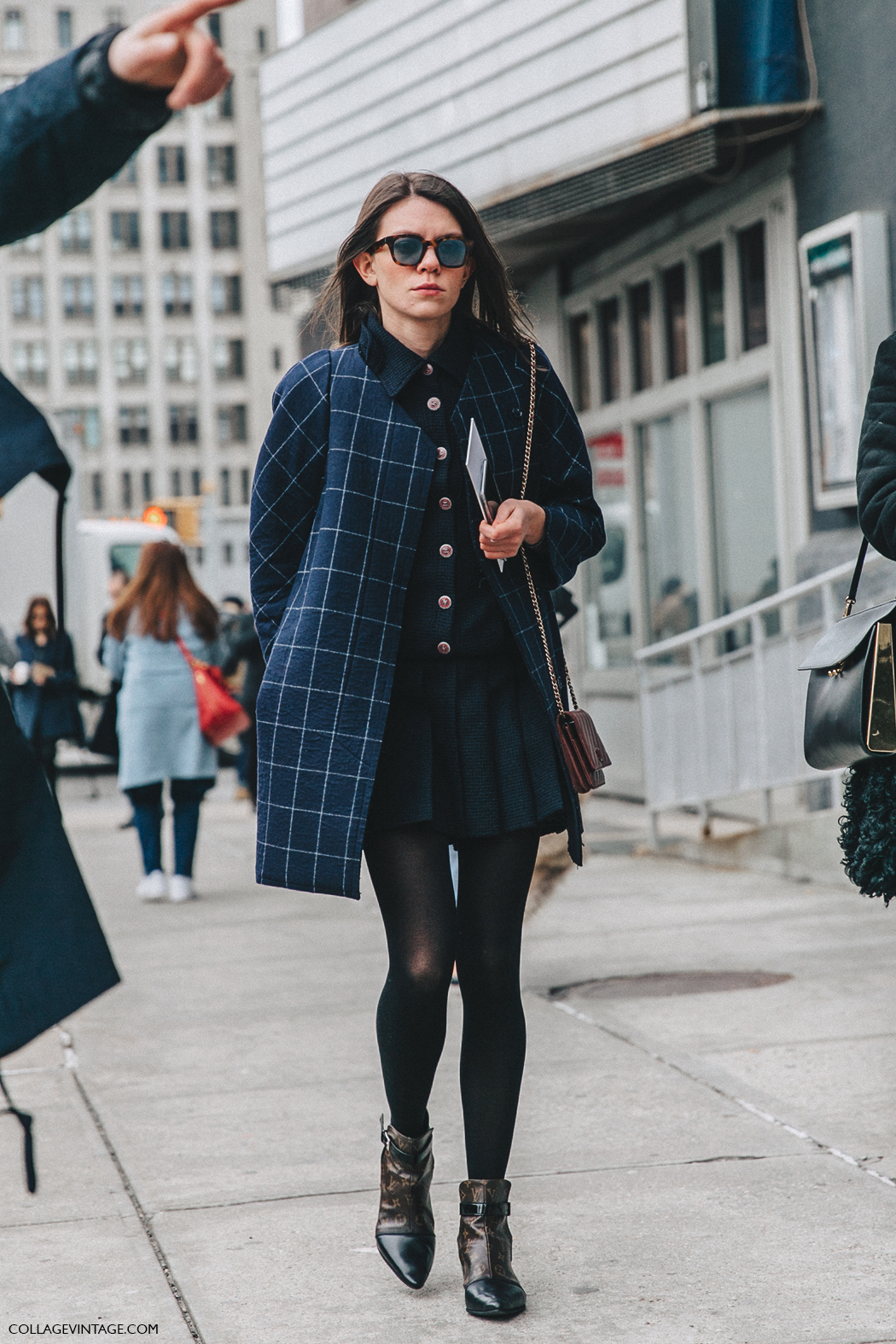 NYFW-New_York_Fashion_Week-Fall_Winter-17-Street_Style-Julia_Gall-Chanel_Jacket-Pleated_Midi_Skirt-Louis_Vuitton_Boots-1