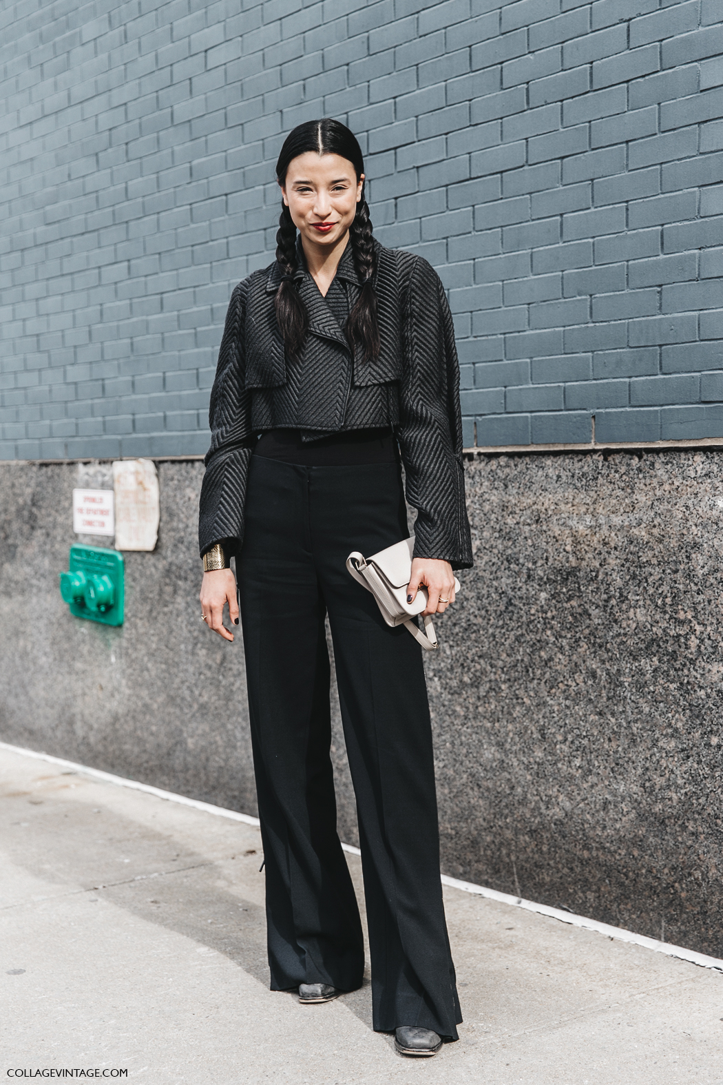 NYFW-New_York_Fashion_Week-Fall_Winter-17-Street_Style-Lily_Kwong-Braids-Black_Outfit-1