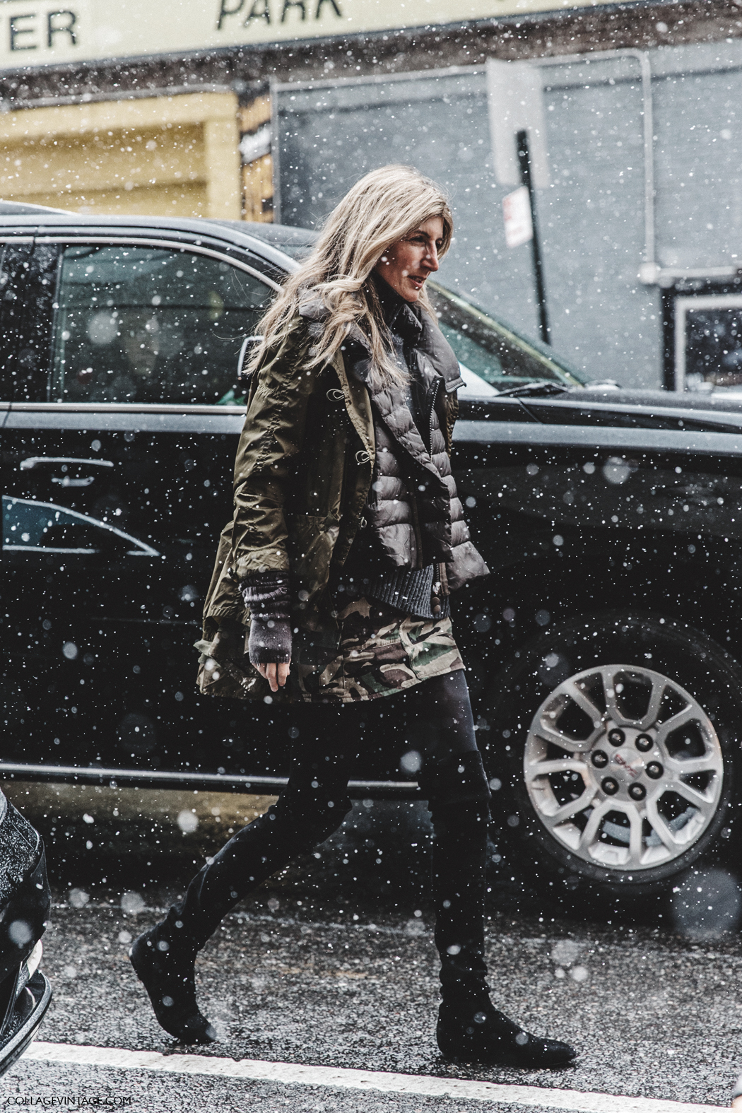 NYFW-New_York_Fashion_Week-Fall_Winter-17-Street_Style-Sarah_Ruston-Militar_TRend-Over_The_Knee_Boots-