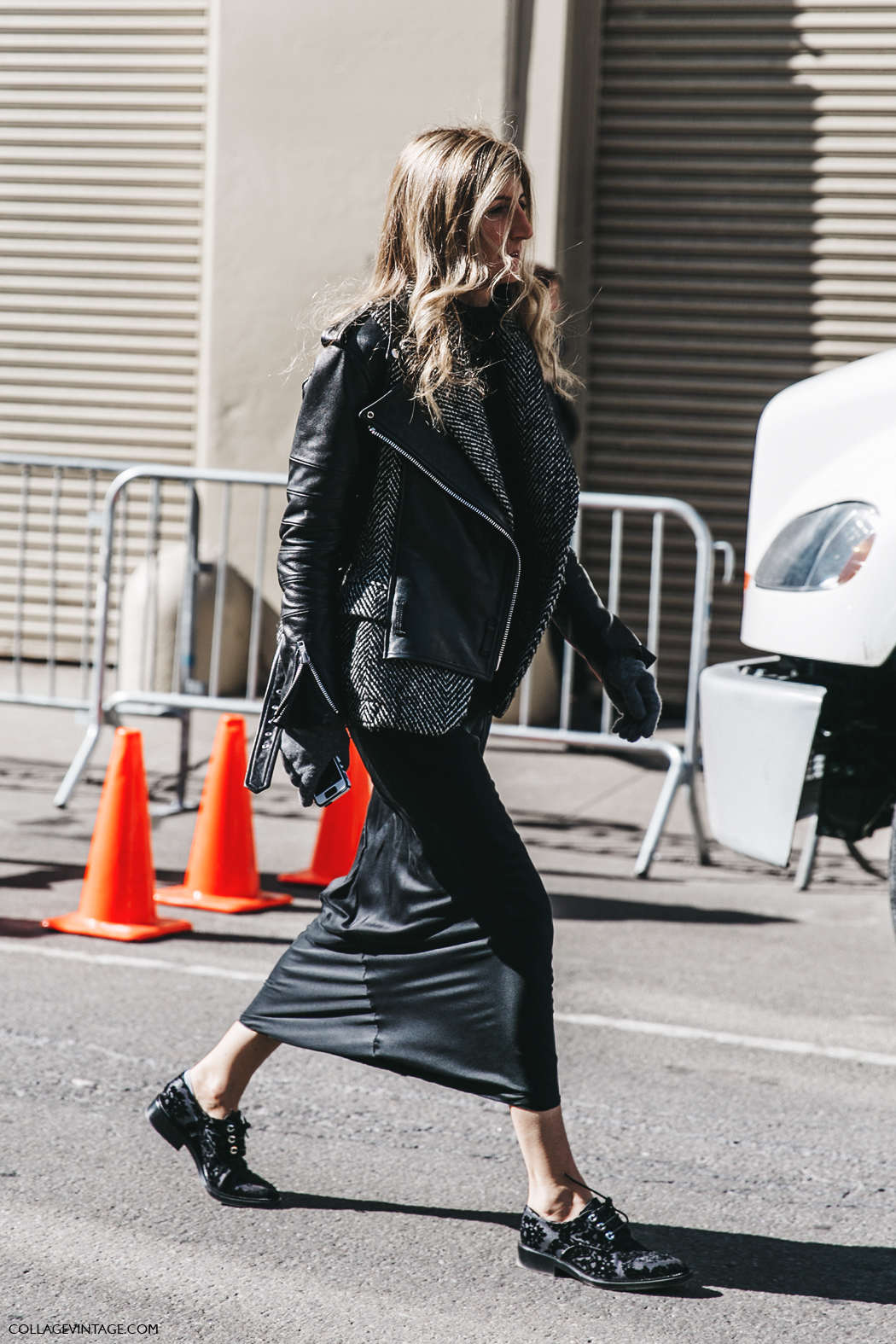 NYFW-New_York_Fashion_Week-Fall_Winter-17-Street_Style-Sarah_Ruston-Pencil_Skirt-Loafers-