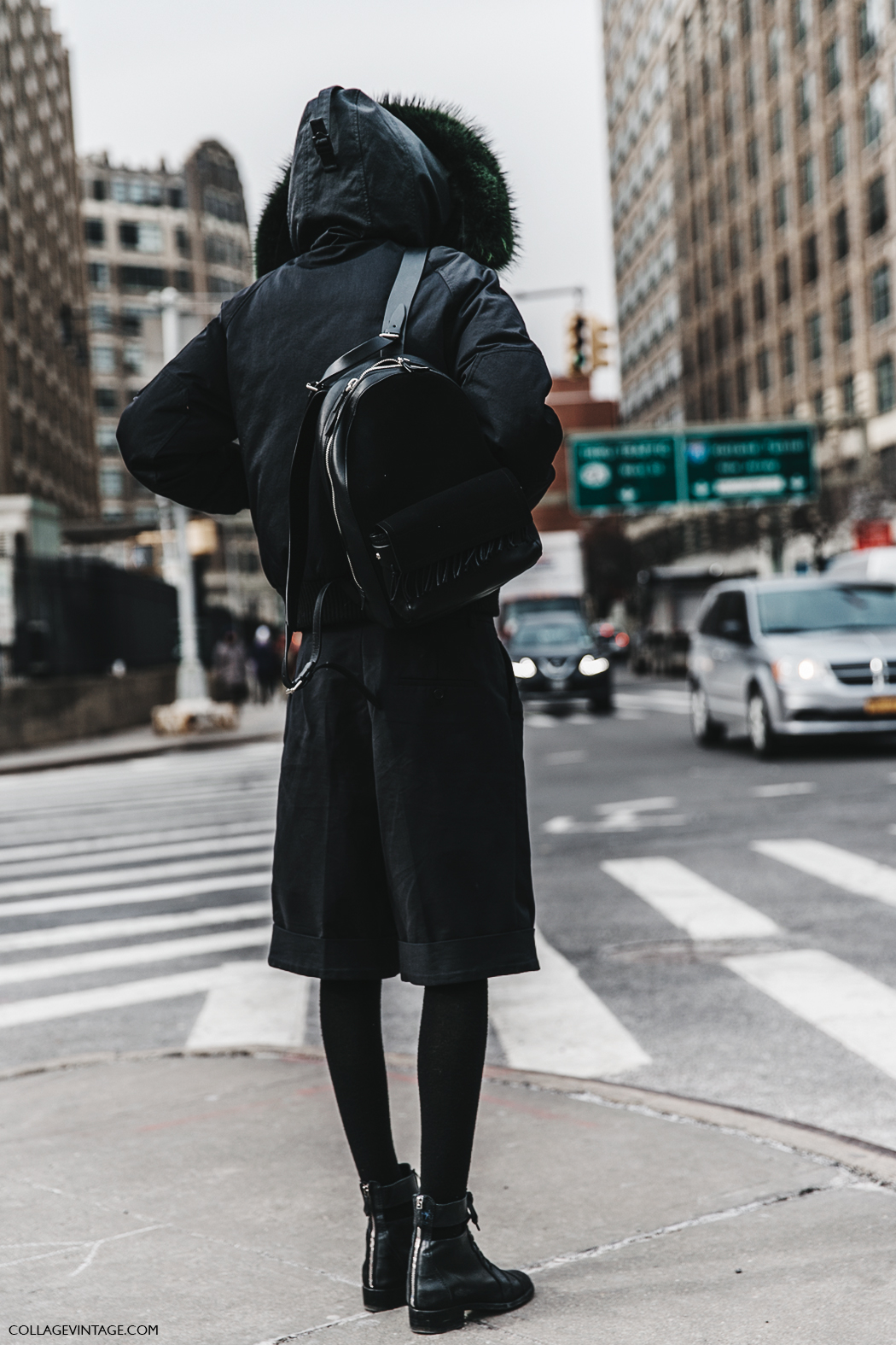 NYFW-New_York_Fashion_Week-Fall_Winter-17-Street_Style-Shorts-Bomber_Jacket-Black_Outfit-Backpack-1