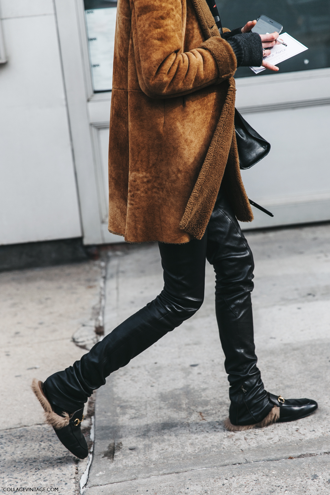 NYFW-New_York_Fashion_Week-Fall_Winter-17-Street_Style-Suede_Coat-Letather_Trousers-Gucci_Loafers