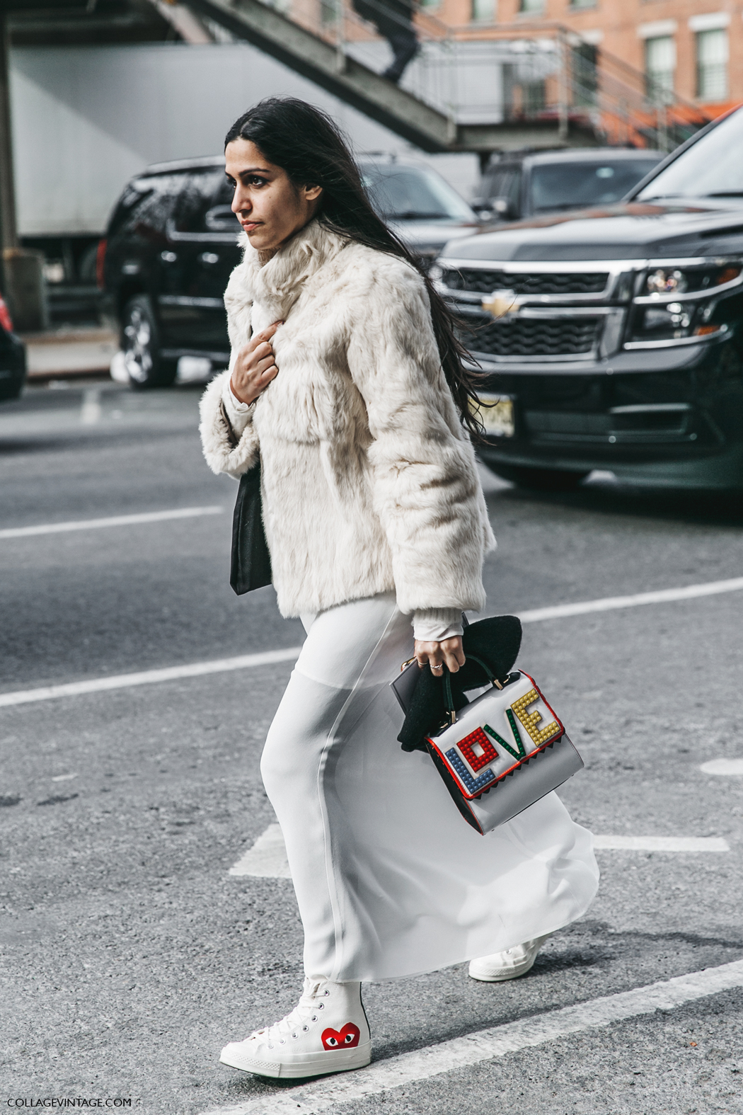 NYFW-New_York_Fashion_Week-Fall_Winter-17-Street_Style-White_Winter-Furry_Coat-