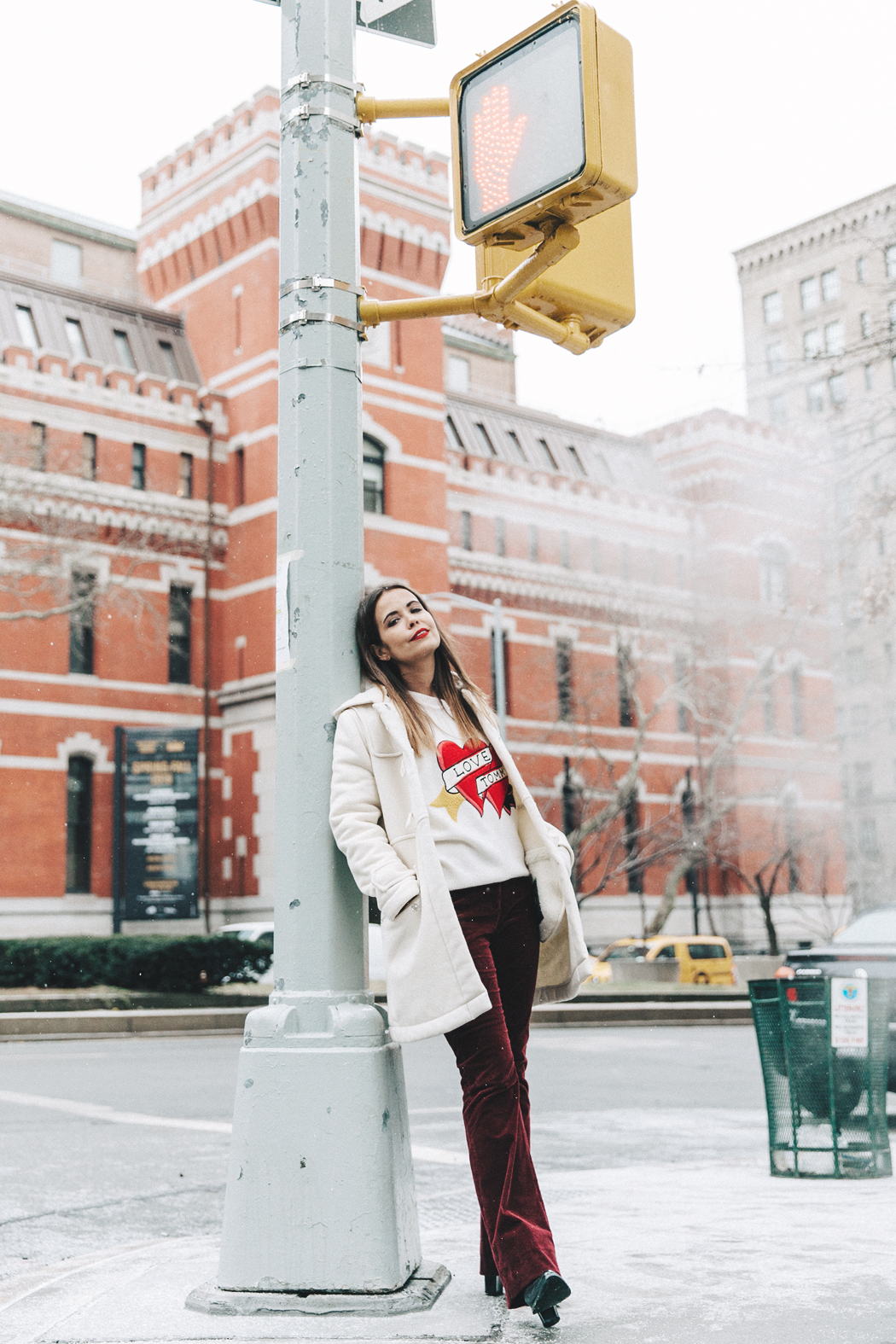 NYFW-New_York_Fashion_Week_Fall_2016-Tommy_Hilfiger-Duffle_Coat-Burgundy_Trousers-Jumper_Logomania-Street_Style-12