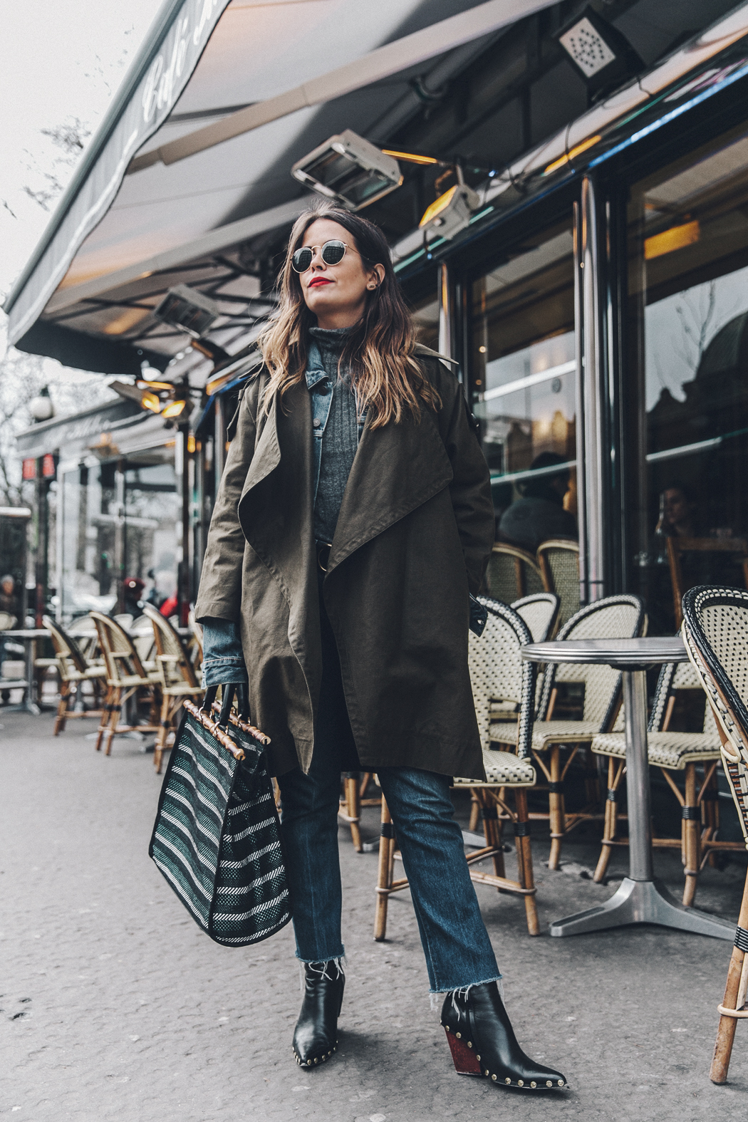 Layers-Denim_Levis-Parka-Striiped_Basket-Outfit-Celine_Boots-Street_Style-21