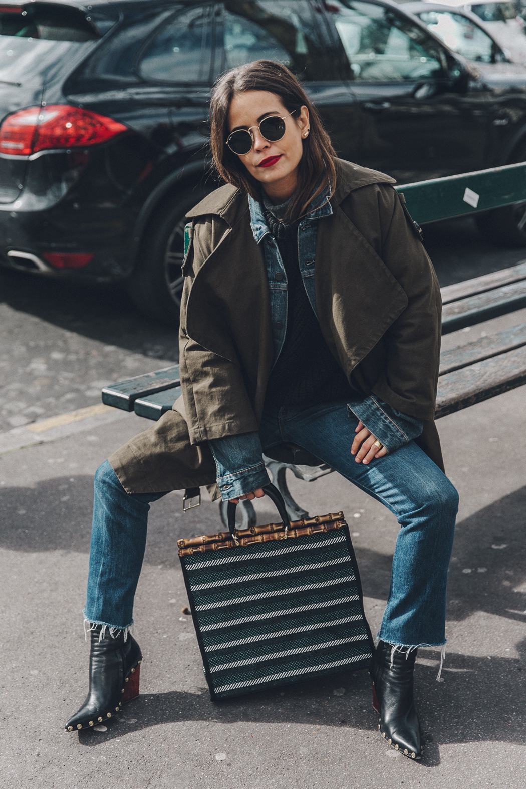 Layers-Denim_Levis-Parka-Striiped_Basket-Outfit-Celine_Boots-Street_Style-4