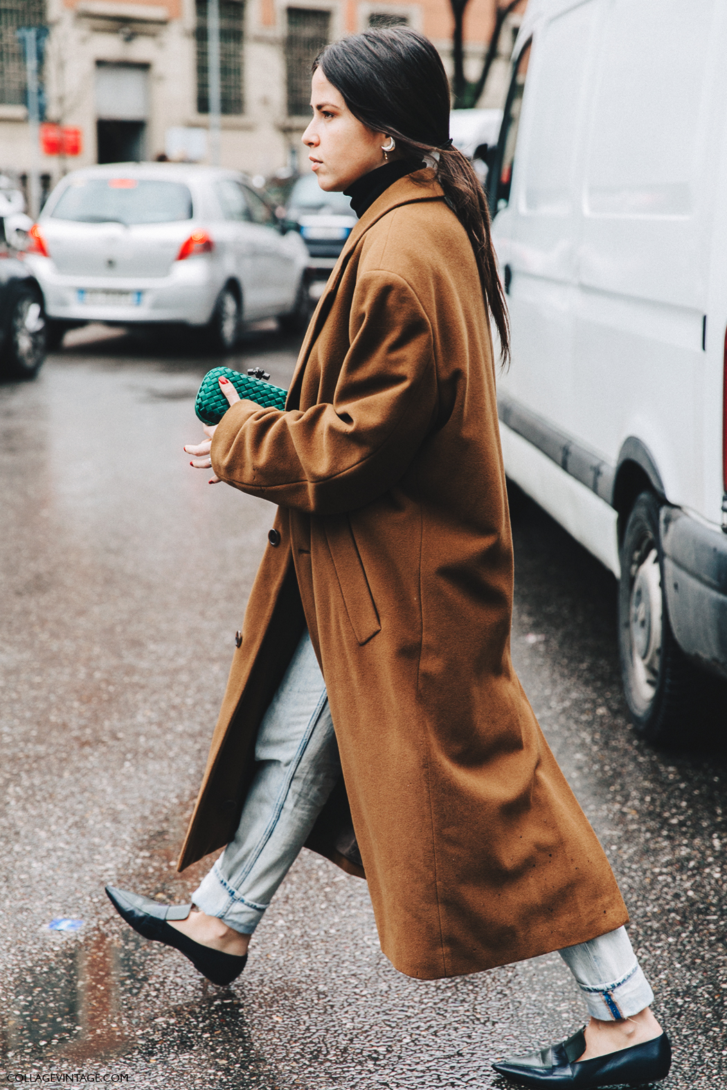 Milan_Fashion_Week_Fall_16-MFW-Street_Style-Collage_Vintage-Long_Camel_Coat-Jeans-Slippers-