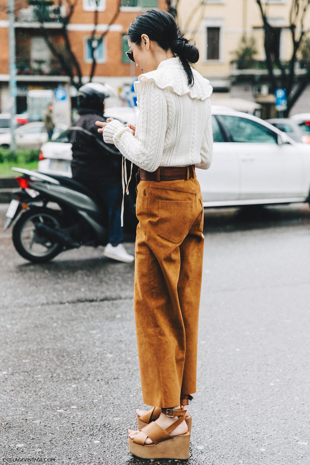 Milan_Fashion_Week_Fall_16-MFW-Street_Style-Collage_Vintage-Yoyo_Cao-Camel_Trousers-Sandals-2