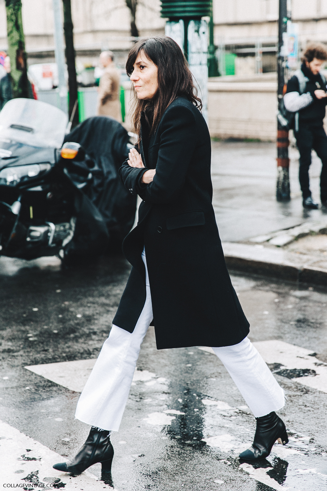 PFW-Paris_Fashion_Week_Fall_2016-Street_Style-Collage_Vintage-Emmanuel_Alt-Black_And_White-Chanel_Boots-