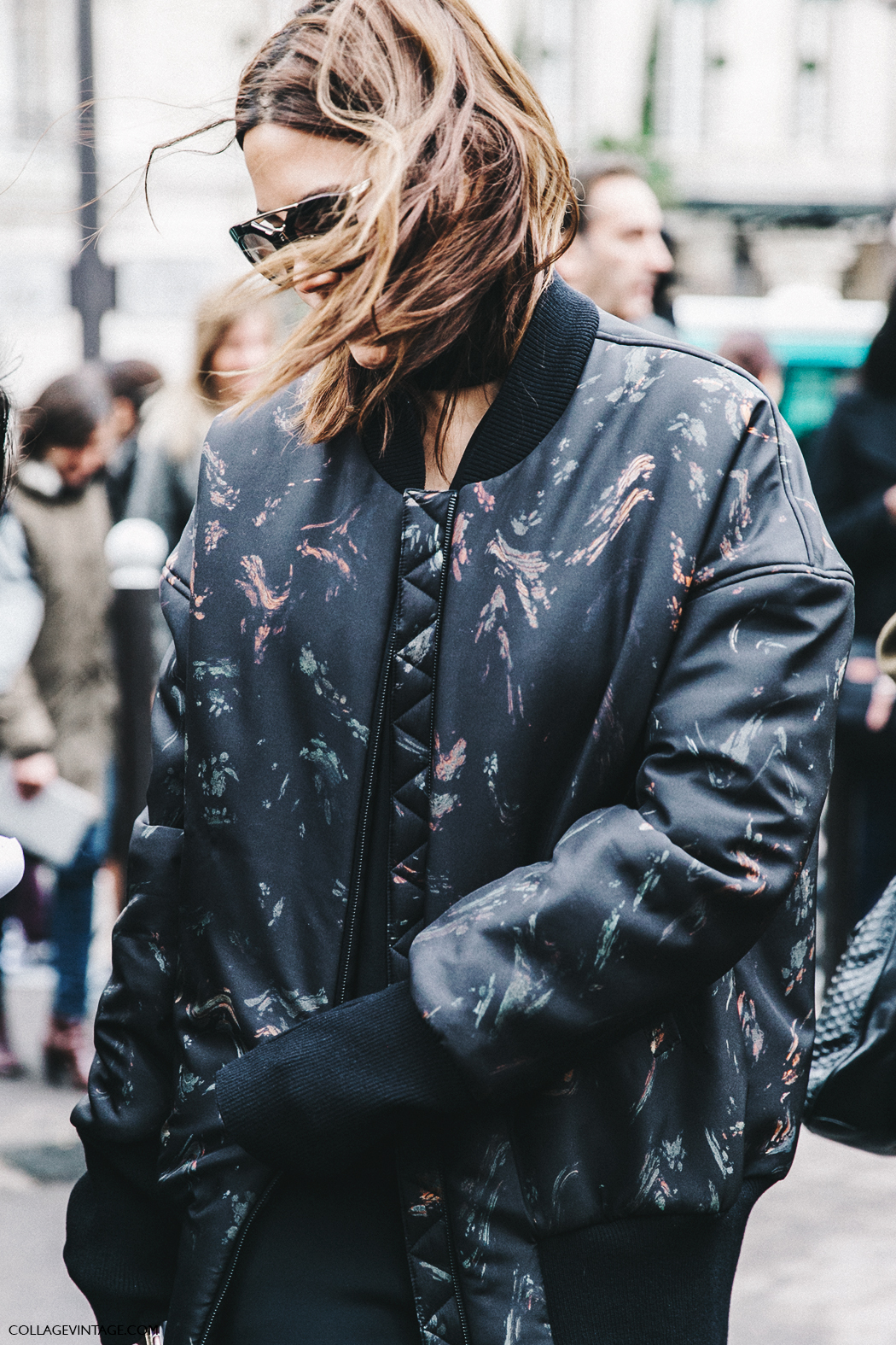PFW-Paris_Fashion_Week_Fall_2016-Street_Style-Collage_Vintage-Miu_Miu-Christine_Centenera-Bomber-5