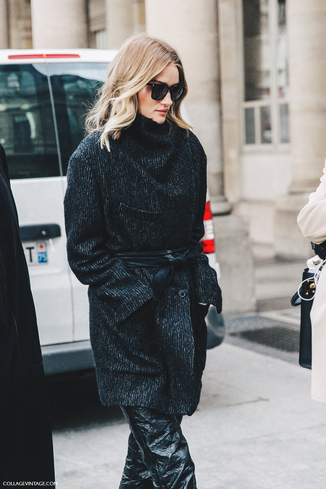 PFW-Paris_Fashion_Week_Fall_2016-Street_Style-Collage_Vintage-Rosie_Huntington-