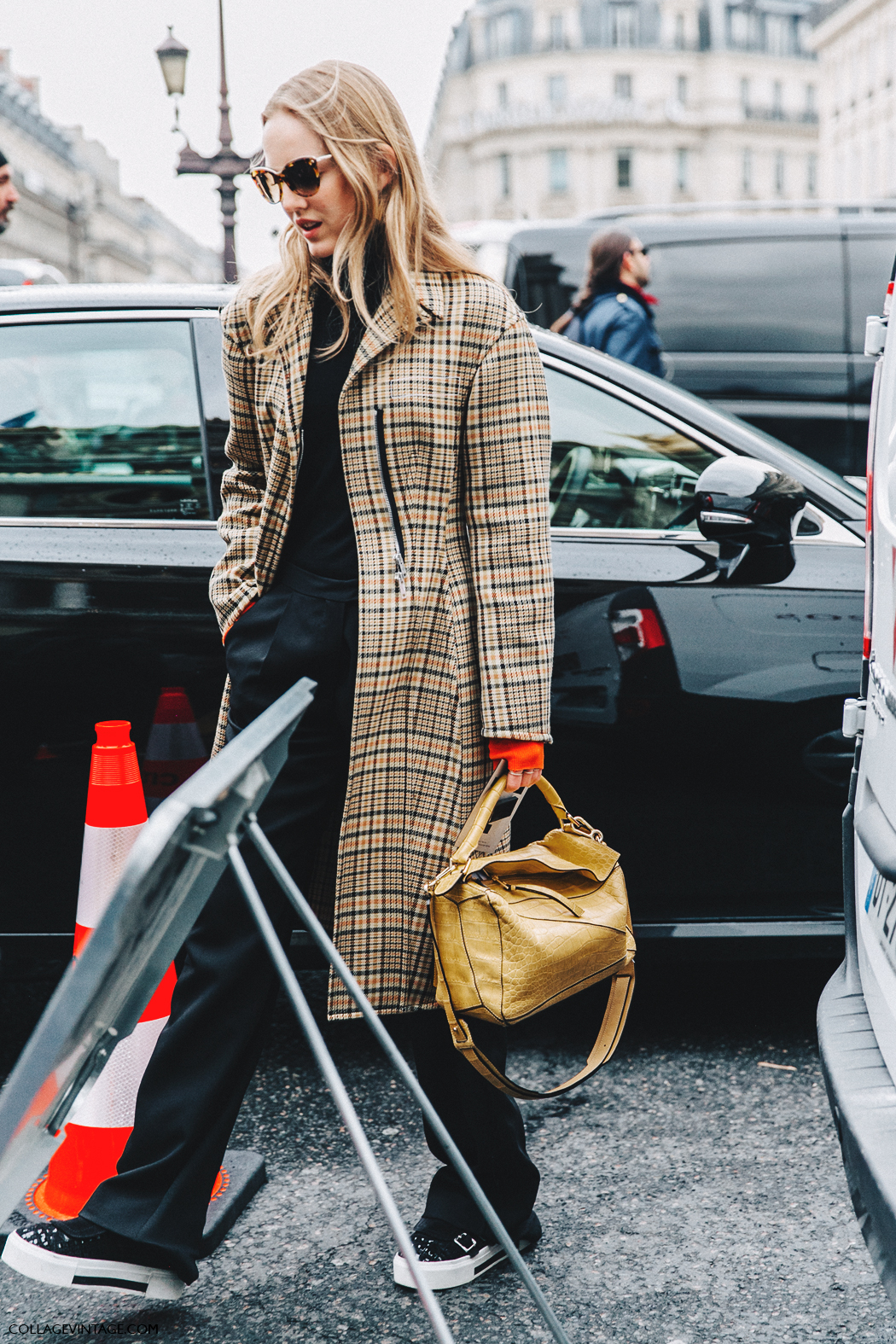 PFW-Paris_Fashion_Week_Fall_2016-Street_Style-Collage_Vintage-Stella_McCartney-Alexandra_Karl-Loewe_Puzzle-Checked_COat-Sneakers-