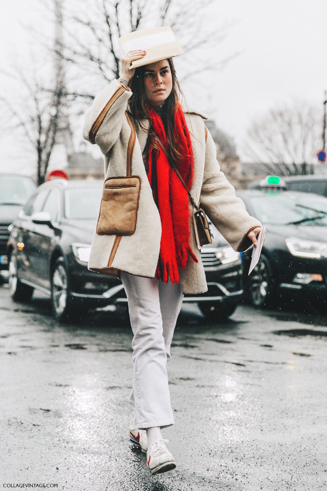PFW-Paris_Fashion_Week_Fall_2016-Street_Style-Collage_Vintage-White_Jeans-SHearling_COat-5