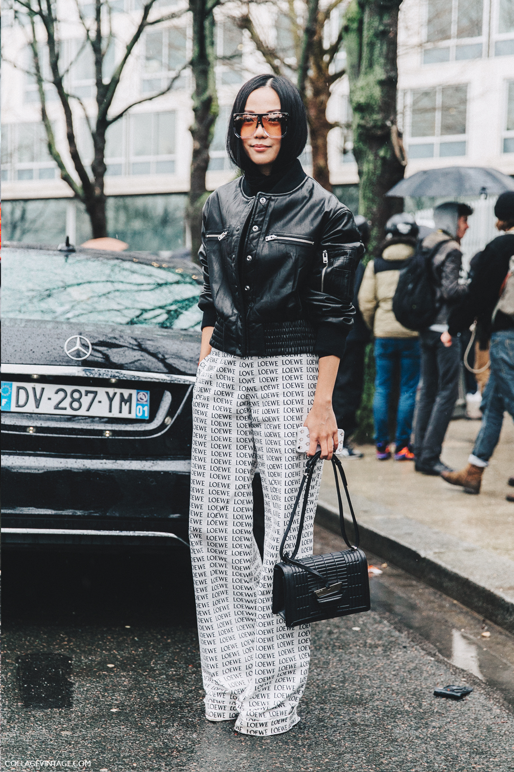 PFW-Paris_Fashion_Week_Fall_2016-Street_Style-Collage_Vintage-yoyo_cao-loewe_trousers-3