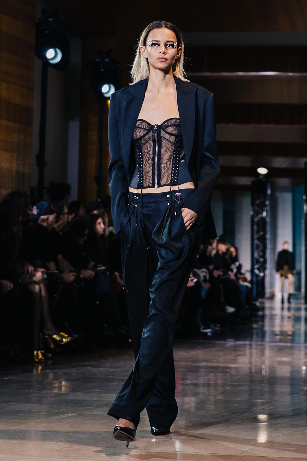 Paris_Fashion_Week-PFW-Anthony_Vaccarello_Fall_2016-Runway-10