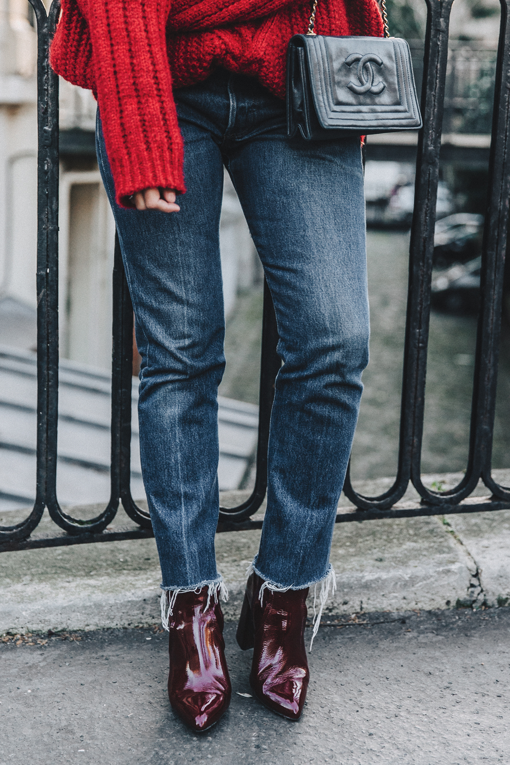 RED-KNITWEAR-Levis-Jeans-Red_Boots-Outfit-Street_Style-Levis_Vintage-16