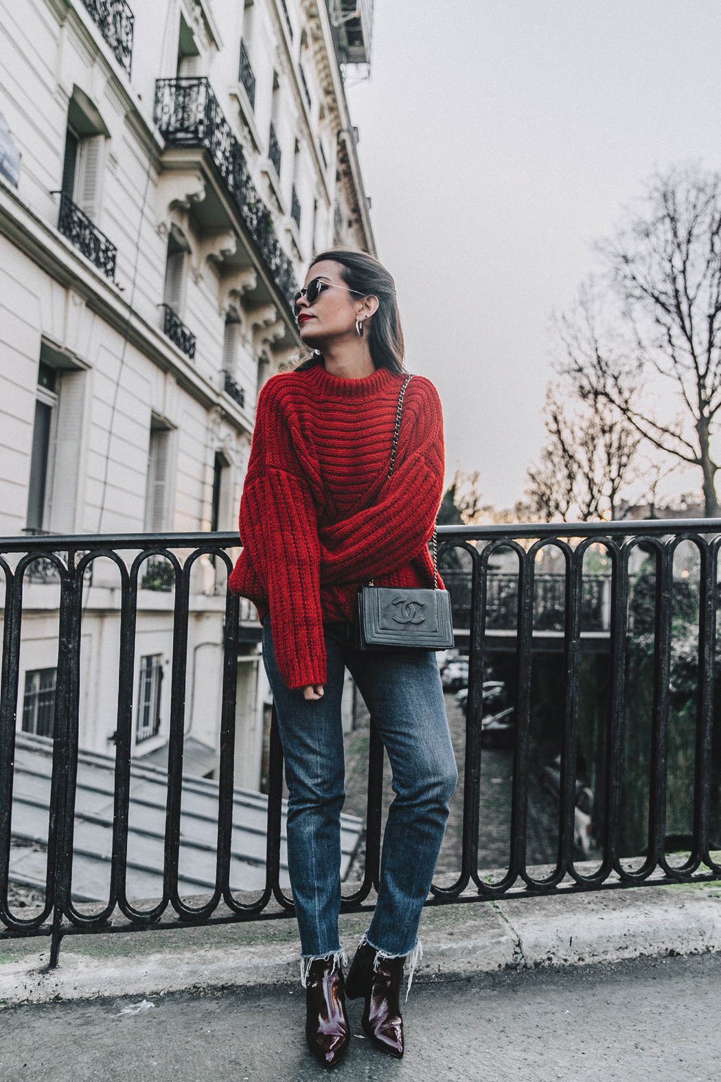RED-KNITWEAR-Levis-Jeans-Red_Boots-Outfit-Street_Style-Levis_Vintage-18