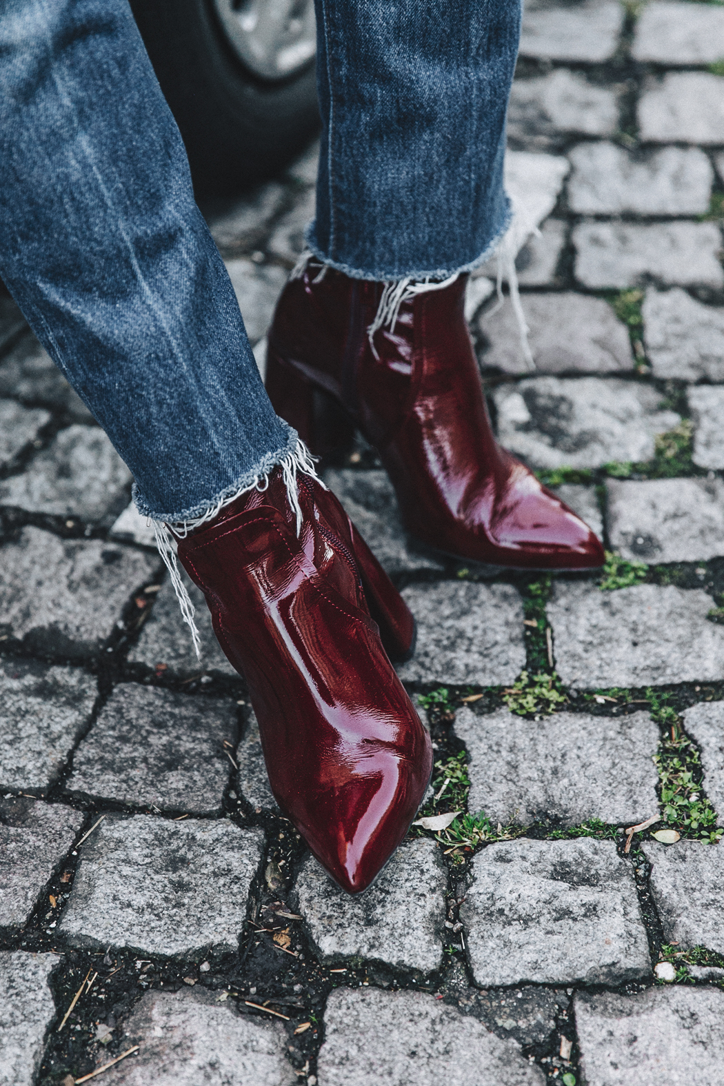 RED-KNITWEAR-Levis-Jeans-Red_Boots-Outfit-Street_Style-Levis_Vintage-24