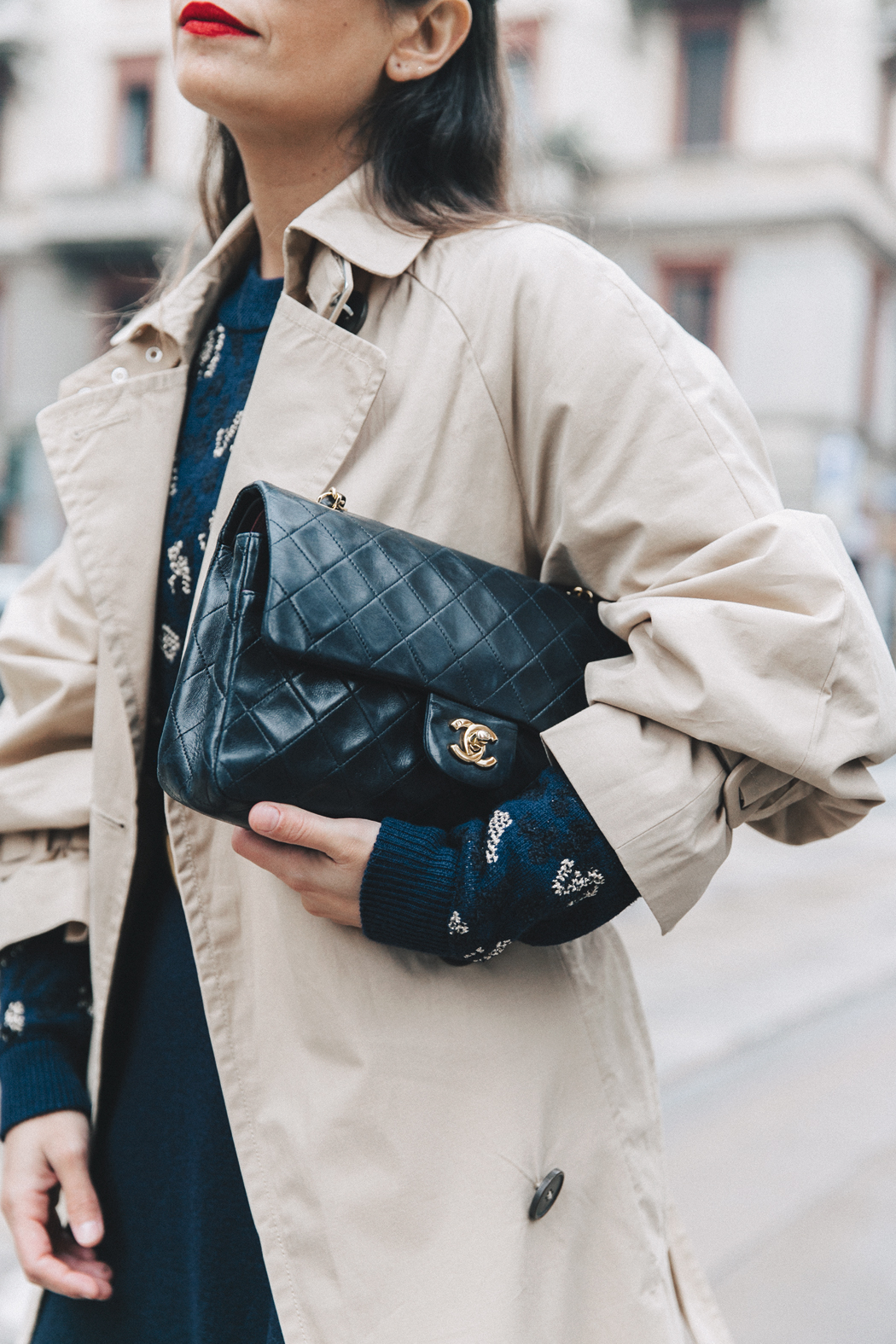 Trench_Edited-Leopard_Sweater-Midi_Skirt-Chanel_Slingback_Shoes-Chanel_Vintage_Bag-Ouftit_Streetstyle-14