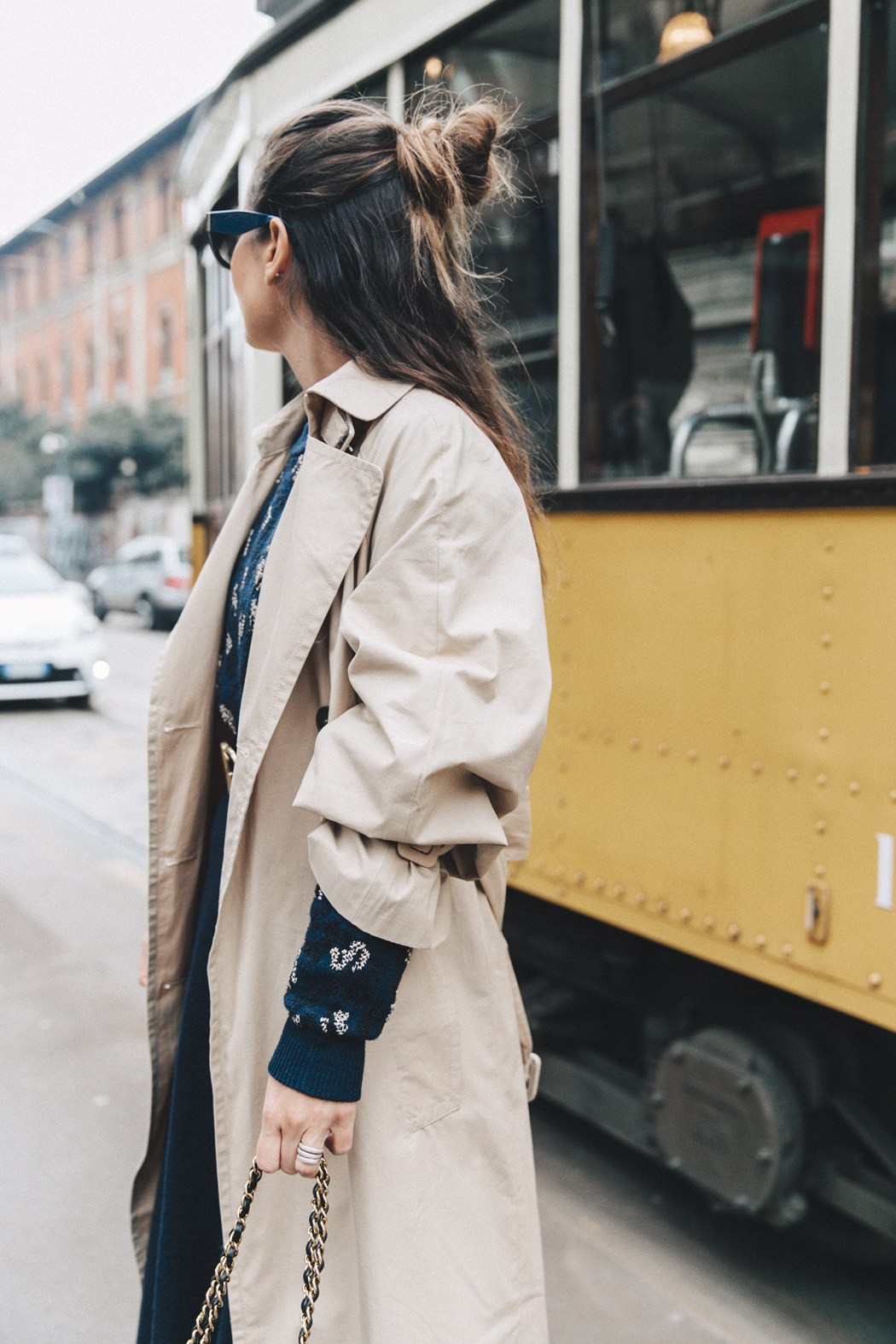 Trench_Edited-Leopard_Sweater-Midi_Skirt-Chanel_Slingback_Shoes-Chanel_Vintage_Bag-Ouftit_Streetstyle-24