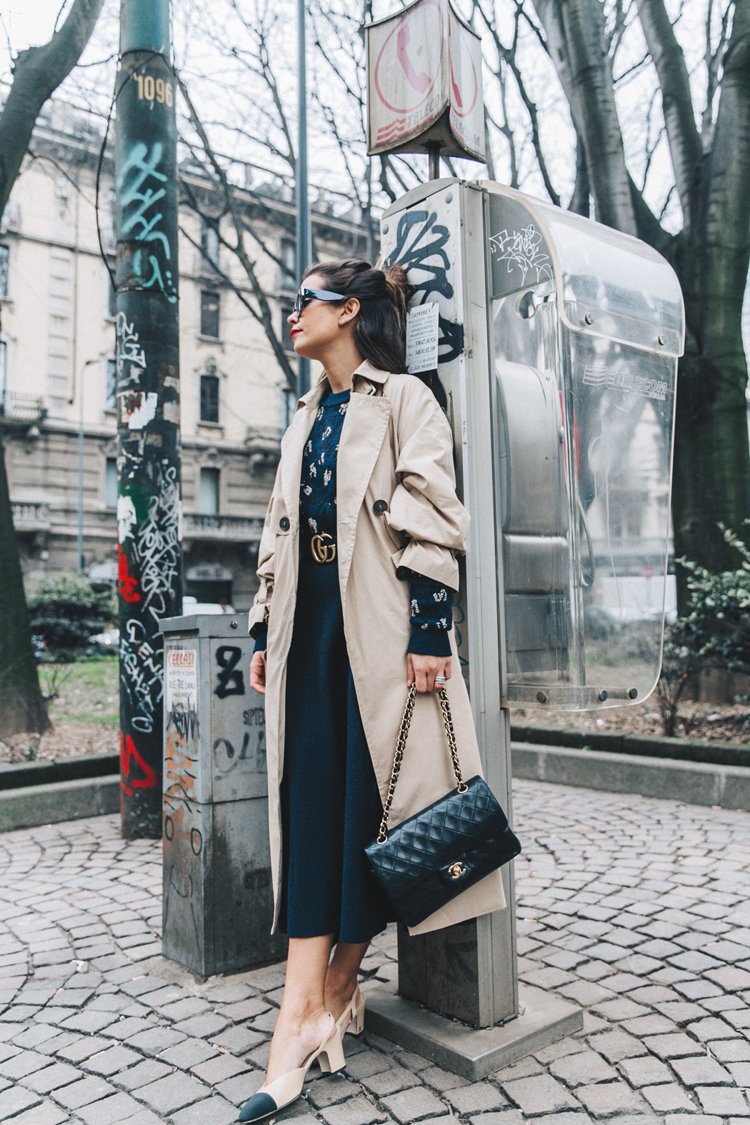 Trench_Edited-Leopard_Sweater-Midi_Skirt-Chanel_Slingback_Shoes-Chanel_Vintage_Bag-Ouftit_Streetstyle-32