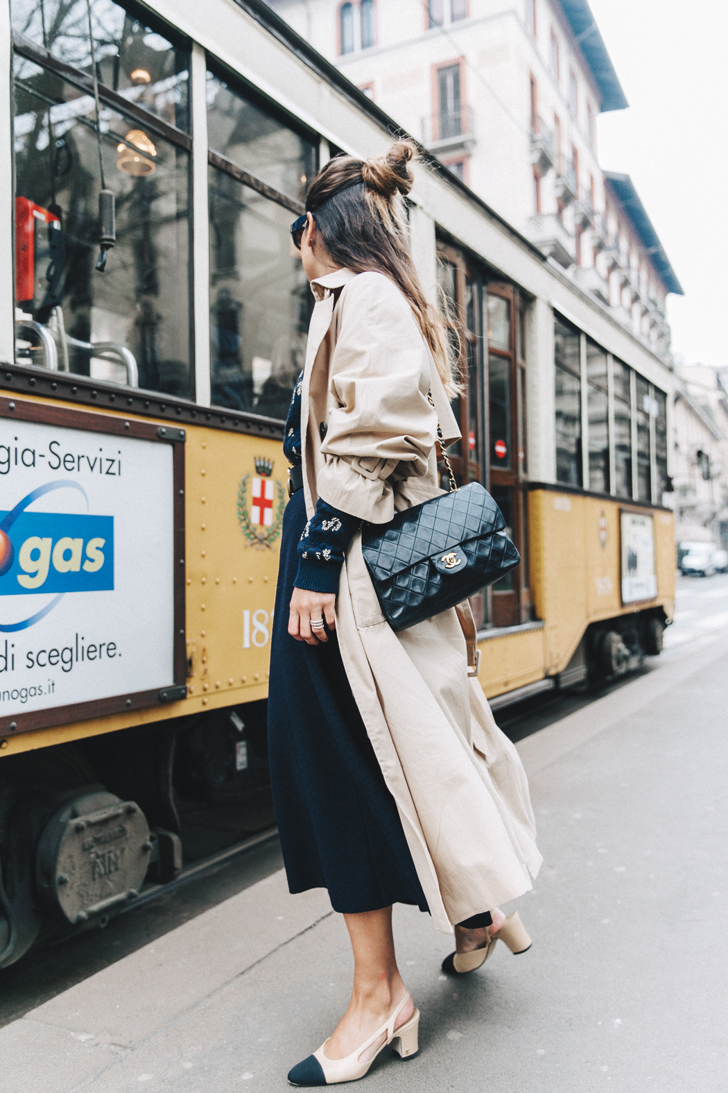 Trench_Edited-Leopard_Sweater-Midi_Skirt-Chanel_Slingback_Shoes-Chanel_Vintage_Bag-Ouftit_Streetstyle-37