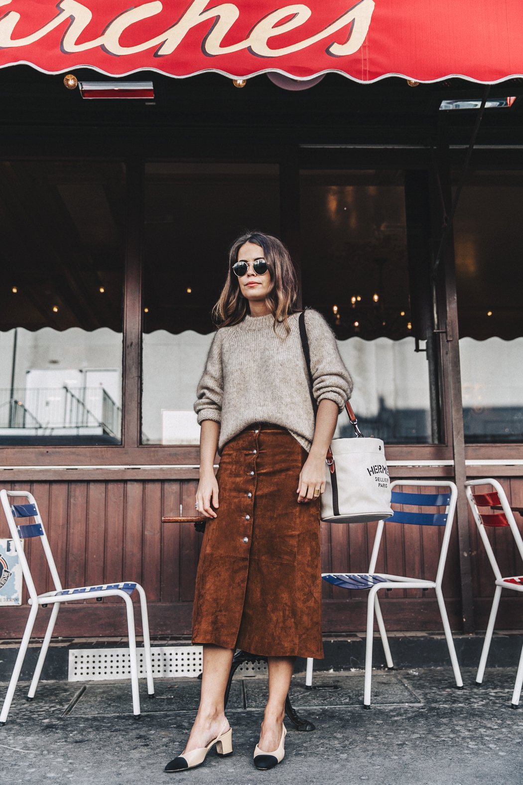 Vestiaire_Collective-Suede_Skirt-MIdi_Skirt-Hermes_Canvas_Bag-Chanel_Slingbacks-Outfit-Street_Style-15