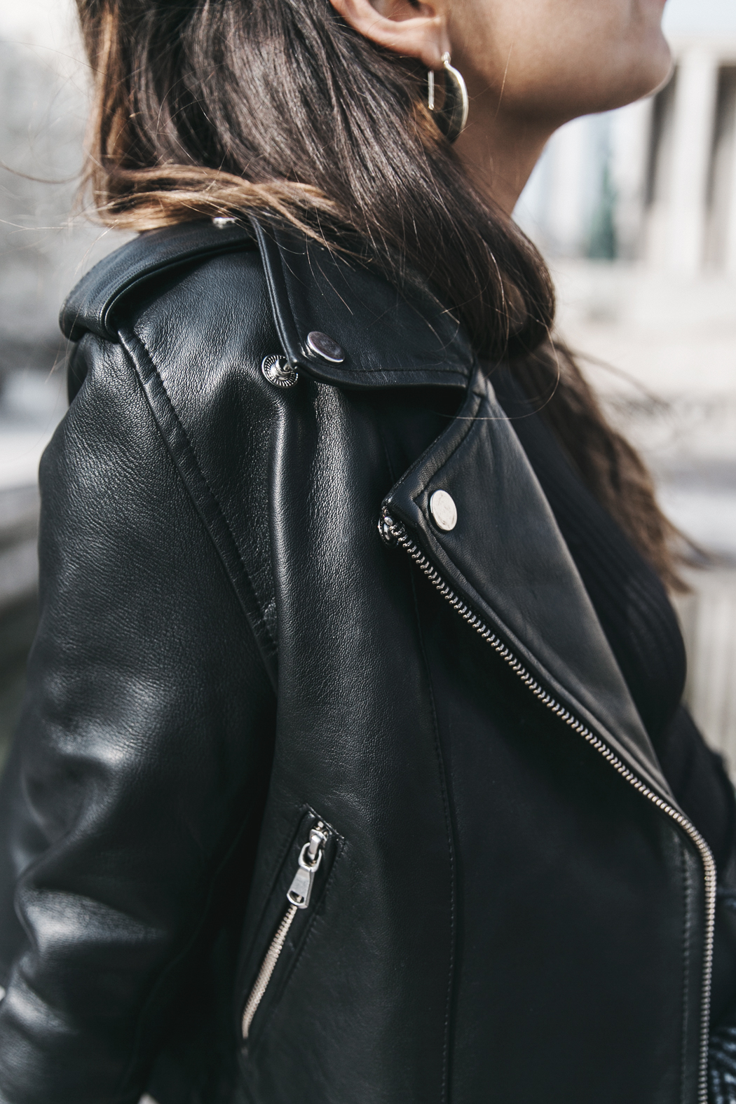 Black_Body-Leather_Jacket-Celine_boots-Gucci_Belt-Wide_Leg_Trousers-Street_Style-8