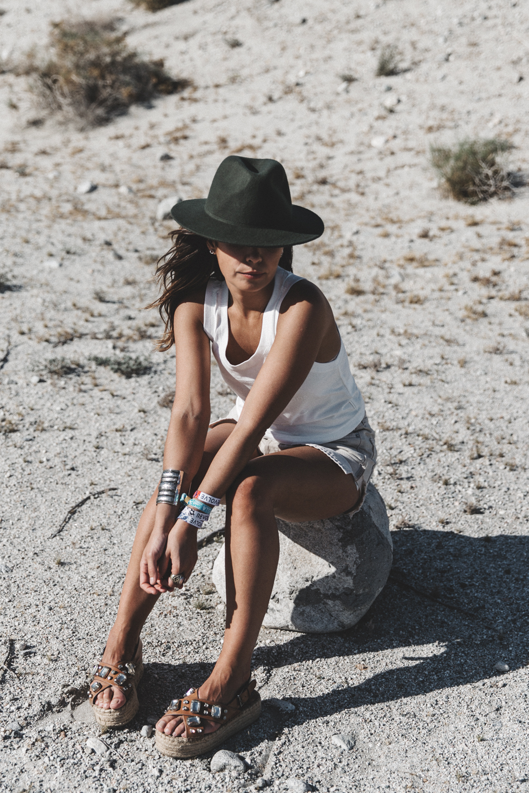Calvin_Klein-White_Series_Collection-Shorts-Desert-Palm_Springs-Outfit-17