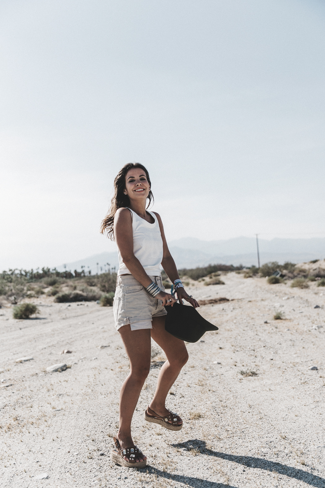 Calvin_Klein-White_Series_Collection-Shorts-Desert-Palm_Springs-Outfit-26