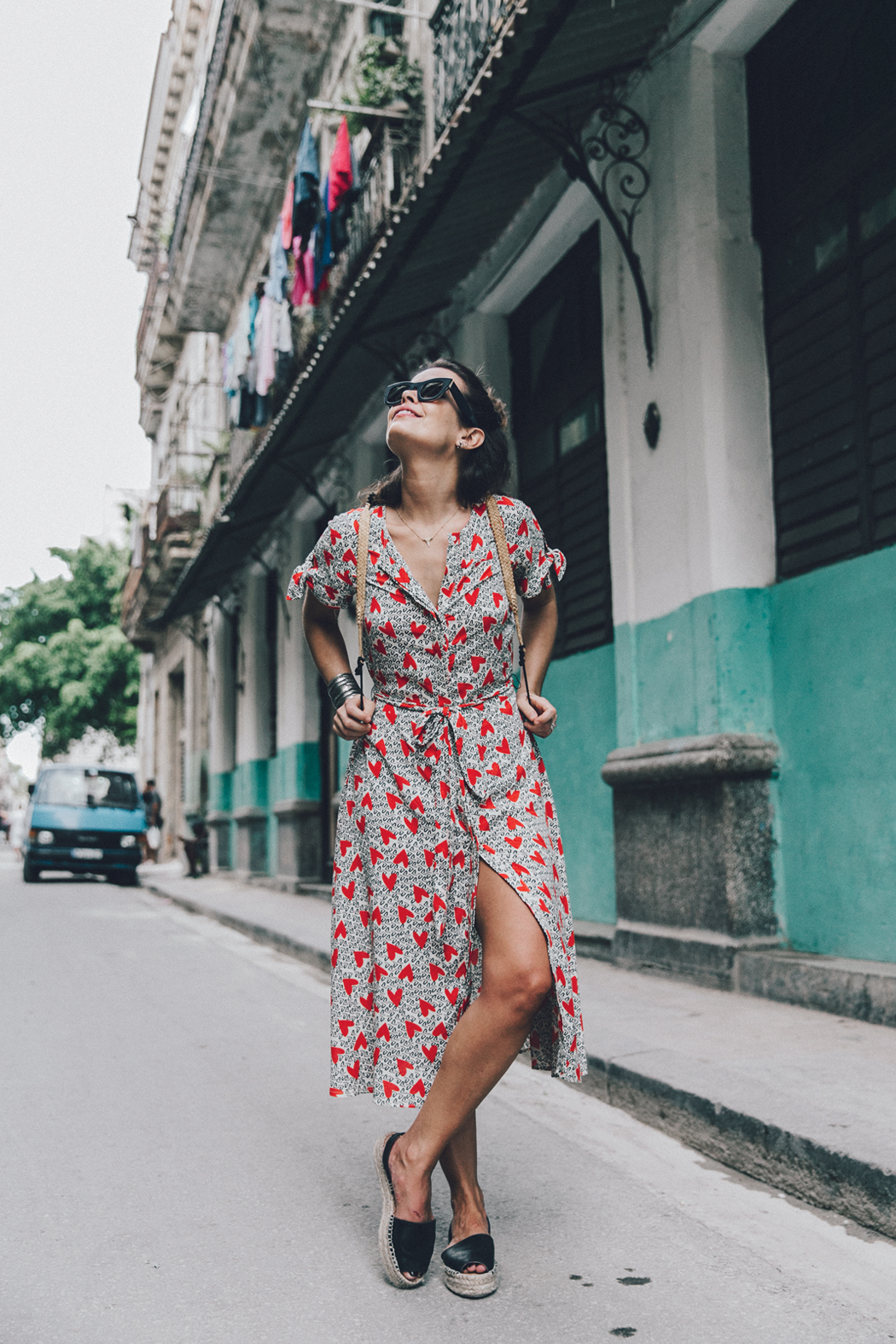 Cuba-La_Habana_Vieja-Hearts_Dress-Styled_By_Me-Aloha_Espadrilles-Outfit-Street_Style-Dress-Backpack-14