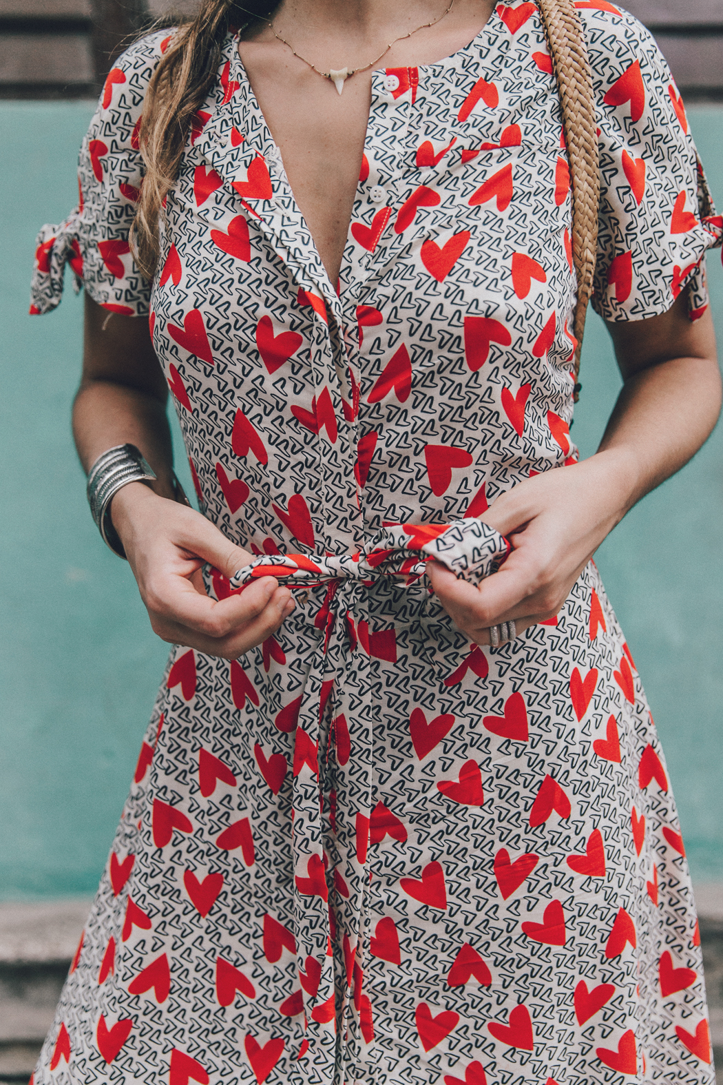 Cuba-La_Habana_Vieja-Hearts_Dress-Styled_By_Me-Aloha_Espadrilles-Outfit-Street_Style-Dress-Backpack-17