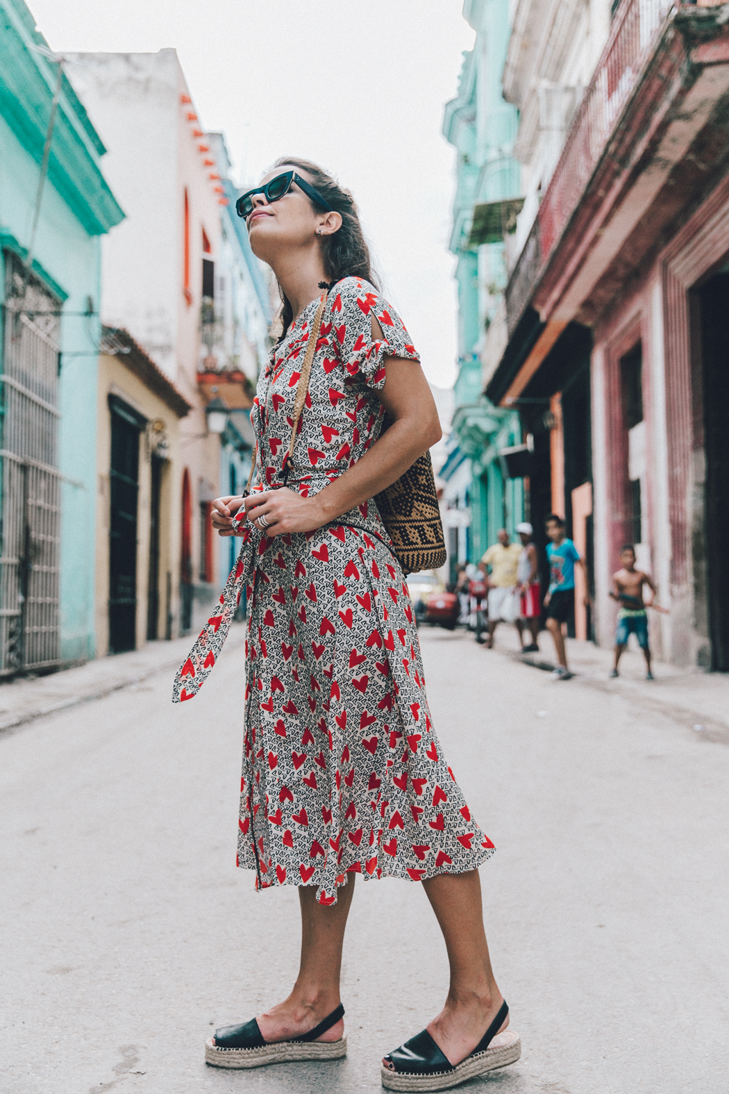 Cuba-La_Habana_Vieja-Hearts_Dress-Styled_By_Me-Aloha_Espadrilles-Outfit-Street_Style-Dress-Backpack-24