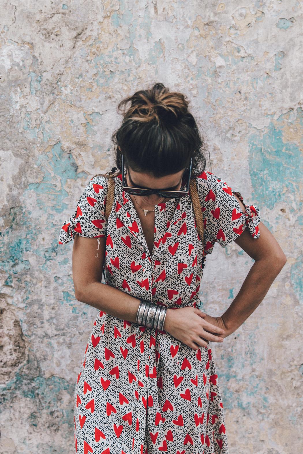 Cuba-La_Habana_Vieja-Hearts_Dress-Styled_By_Me-Aloha_Espadrilles-Outfit-Street_Style-Dress-Backpack-55