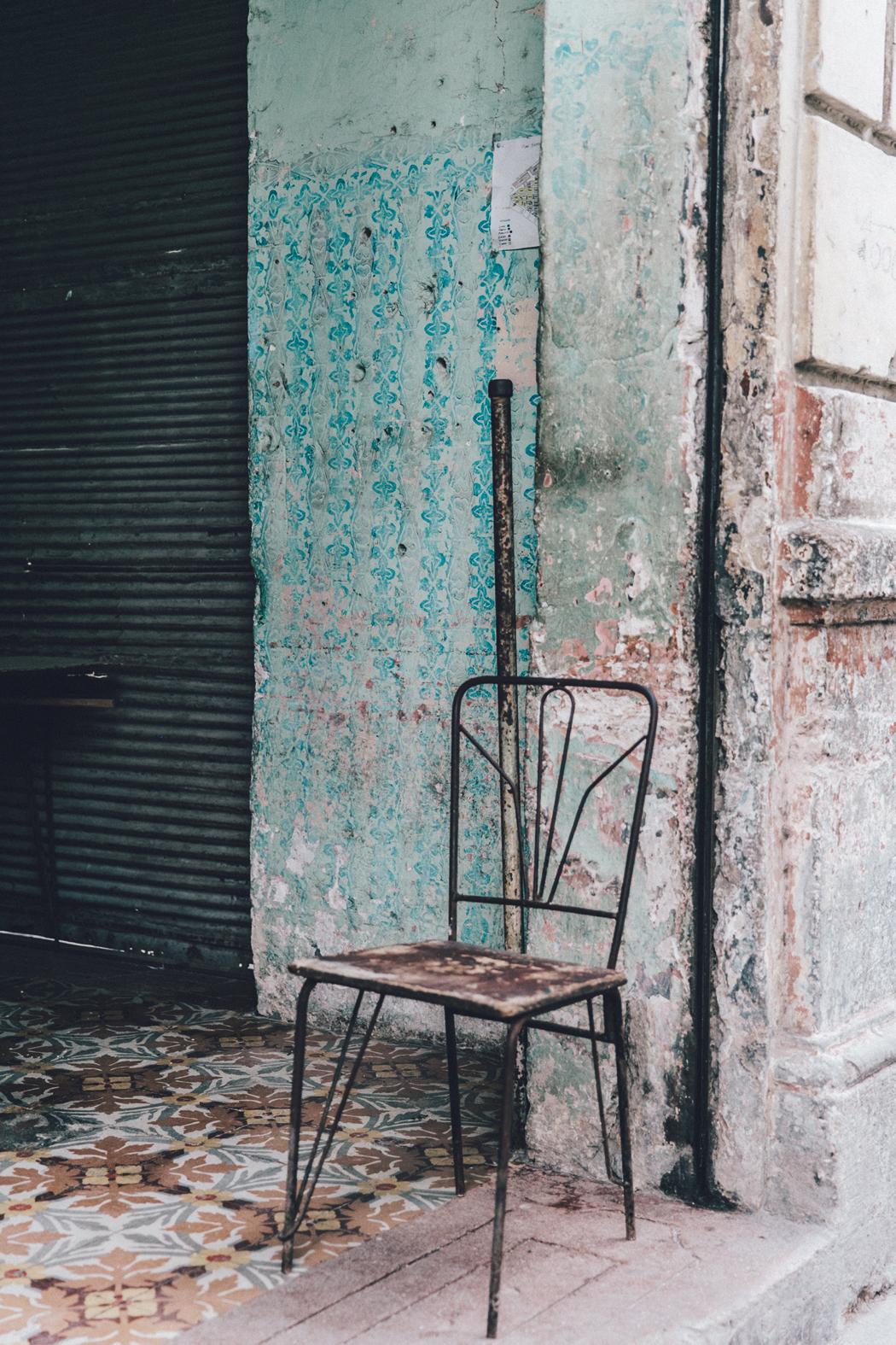 Cuba-La_Habana_Vieja-Hearts_Dress-Styled_By_Me-Aloha_Espadrilles-Outfit-Street_Style-Dress-Backpack-60