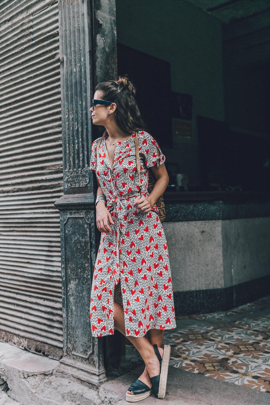 Cuba-La_Habana_Vieja-Hearts_Dress-Styled_By_Me-Aloha_Espadrilles-Outfit-Street_Style-Dress-Backpack-64