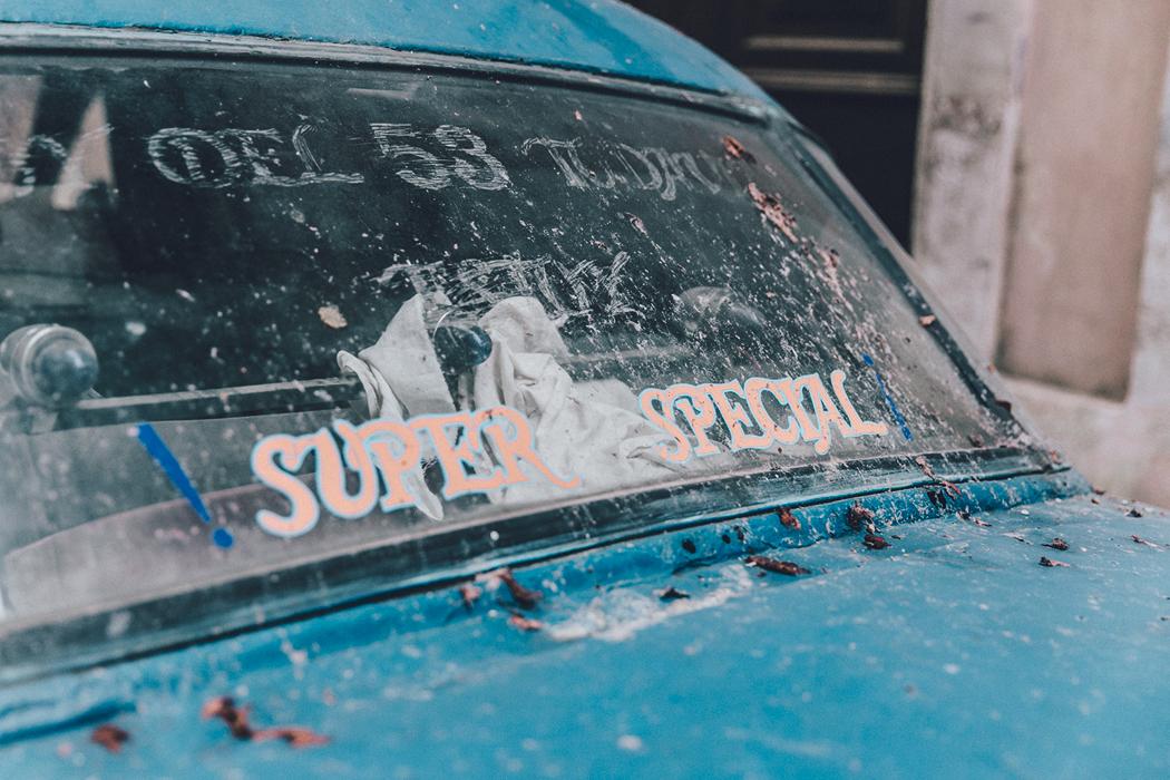 Cuba-La_Habana_Vieja-Hearts_Dress-Styled_By_Me-Aloha_Espadrilles-Outfit-Street_Style-Dress-Backpack-74