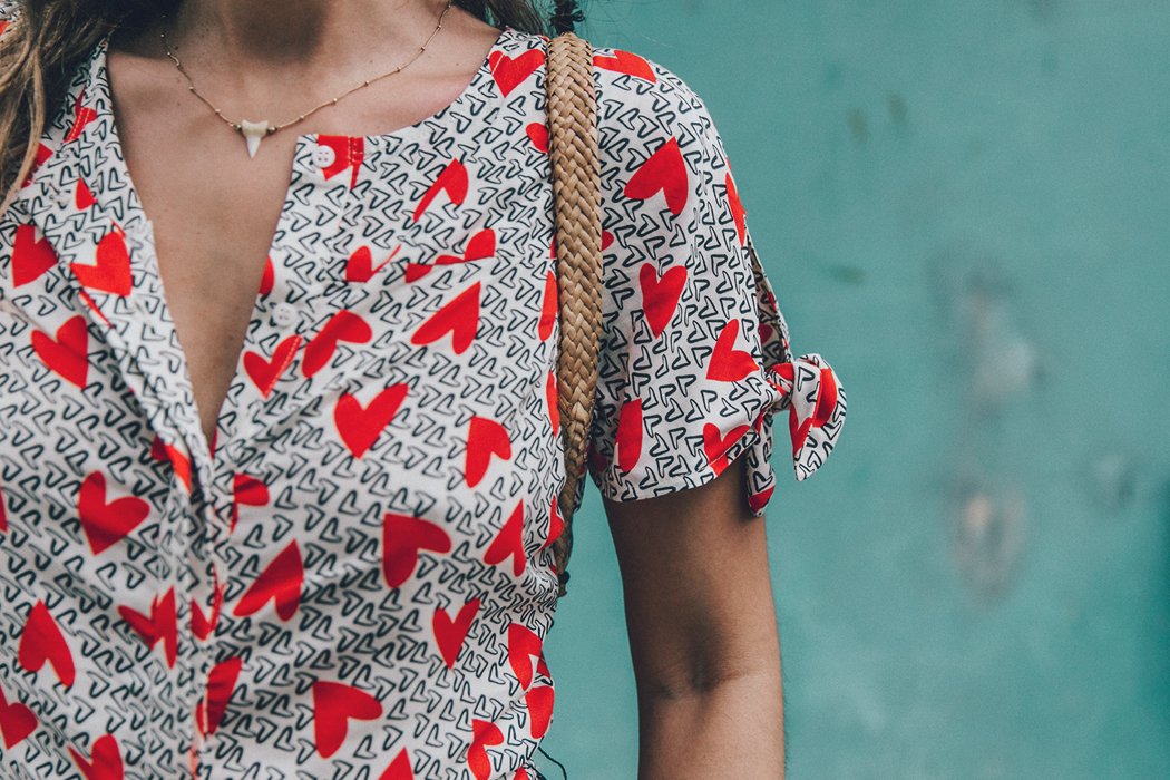 Cuba-La_Habana_Vieja-Hearts_Dress-Styled_By_Me-Aloha_Espadrilles-Outfit-Street_Style-Dress-Backpack-76