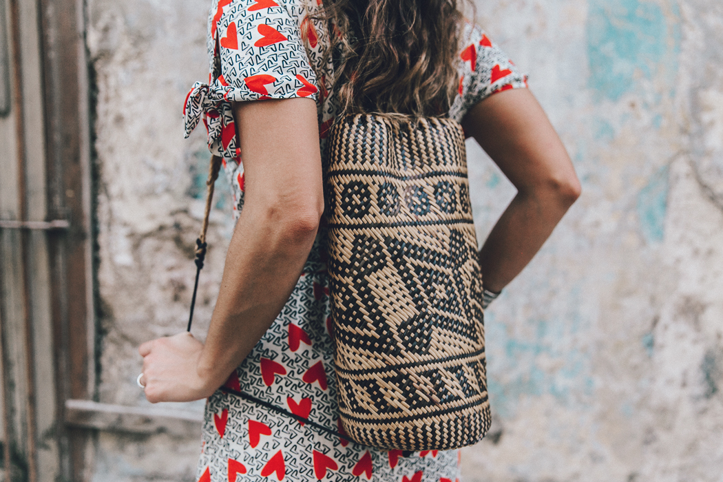 Cuba-La_Habana_Vieja-Hearts_Dress-Styled_By_Me-Aloha_Espadrilles-Outfit-Street_Style-Dress-Backpack-78