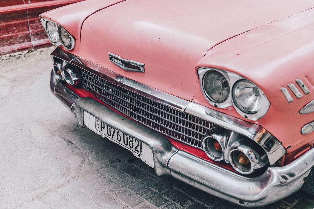 Cuba-La_Habana_Vieja-Hearts_Dress-Styled_By_Me-Aloha_Espadrilles-Outfit-Street_Style-Dress-Backpack-82