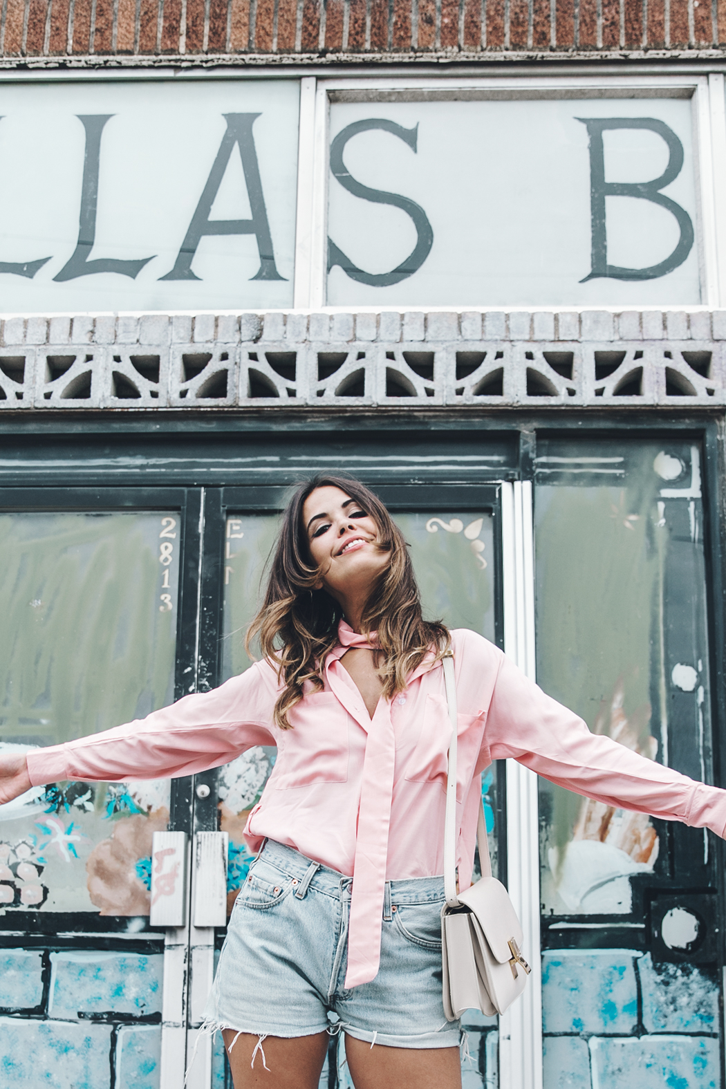 Goodnight_Macaroon-Levis_VIntage-Checked_Blouse-Pink_Shirt-Red_Heels-Marni_Sandals-Dallas-100