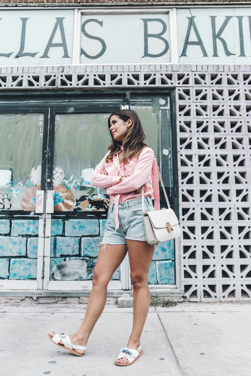 Goodnight_Macaroon-Levis_VIntage-Checked_Blouse-Pink_Shirt-Red_Heels-Marni_Sandals-Dallas-105