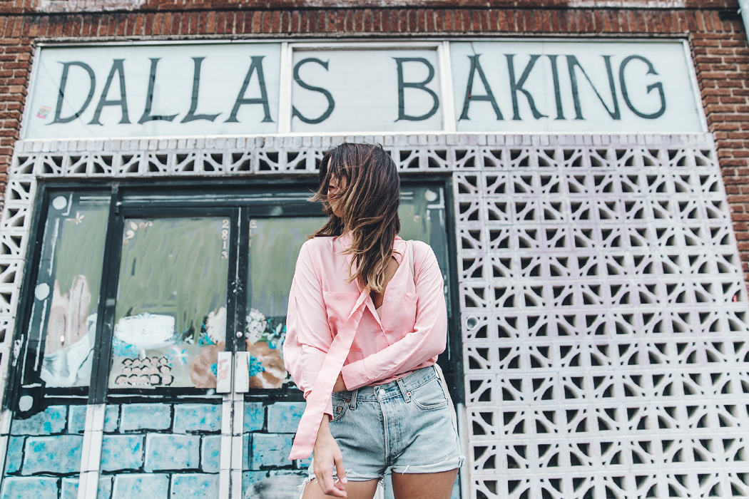 Goodnight_Macaroon-Levis_VIntage-Checked_Blouse-Pink_Shirt-Red_Heels-Marni_Sandals-Dallas-112