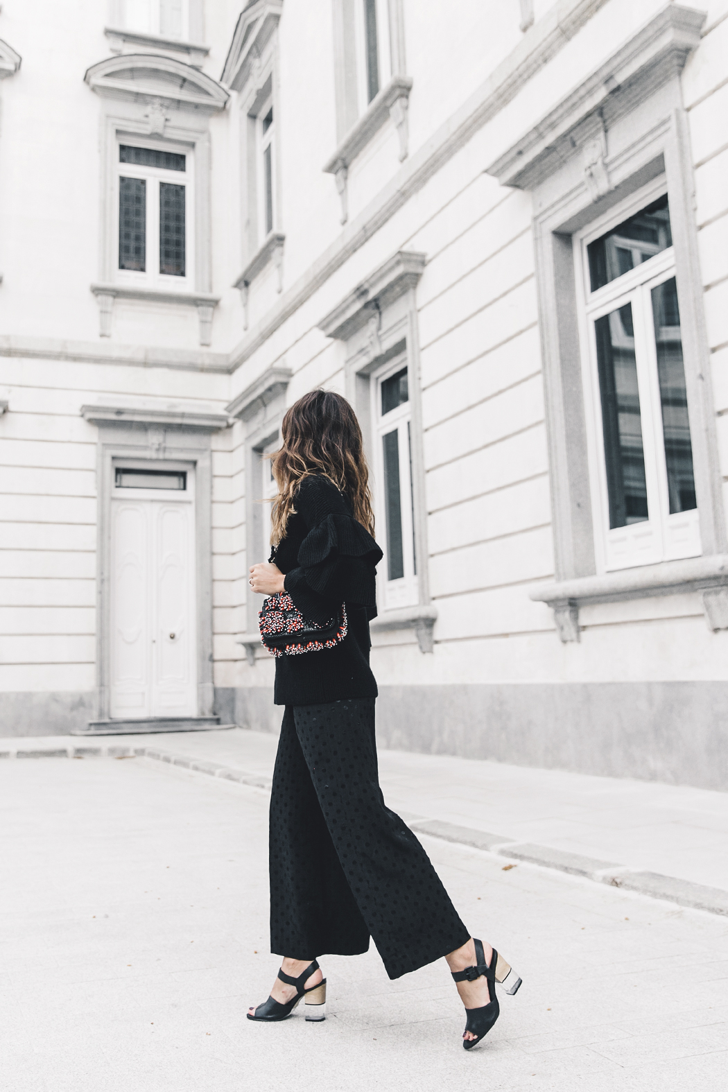 Ruffled_Sleeves_Jumper-Black_Culottes-Dune_Sandals-Beaded_Bag-Outfit-Collage_Vintage-Street_Style-24