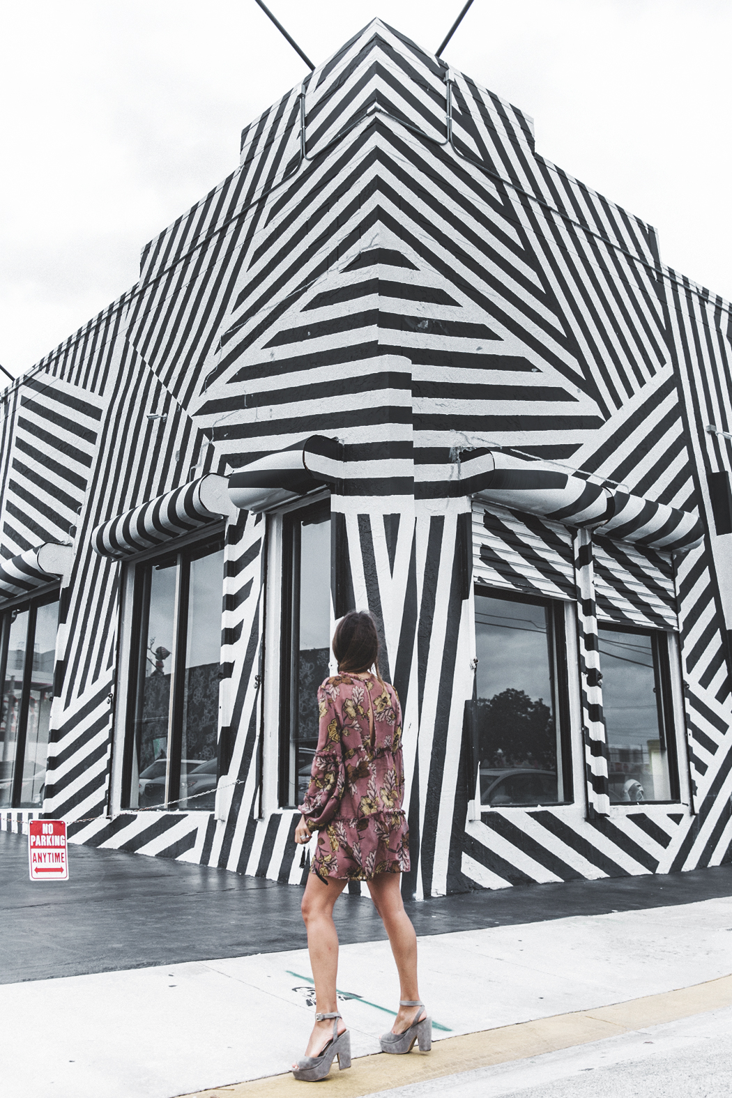 Wynwood-Miami-Black_And_White_Stripes_Wall-For_Love_And_Lemons_Dress-Floral_Print-Wedges-Outfit-38