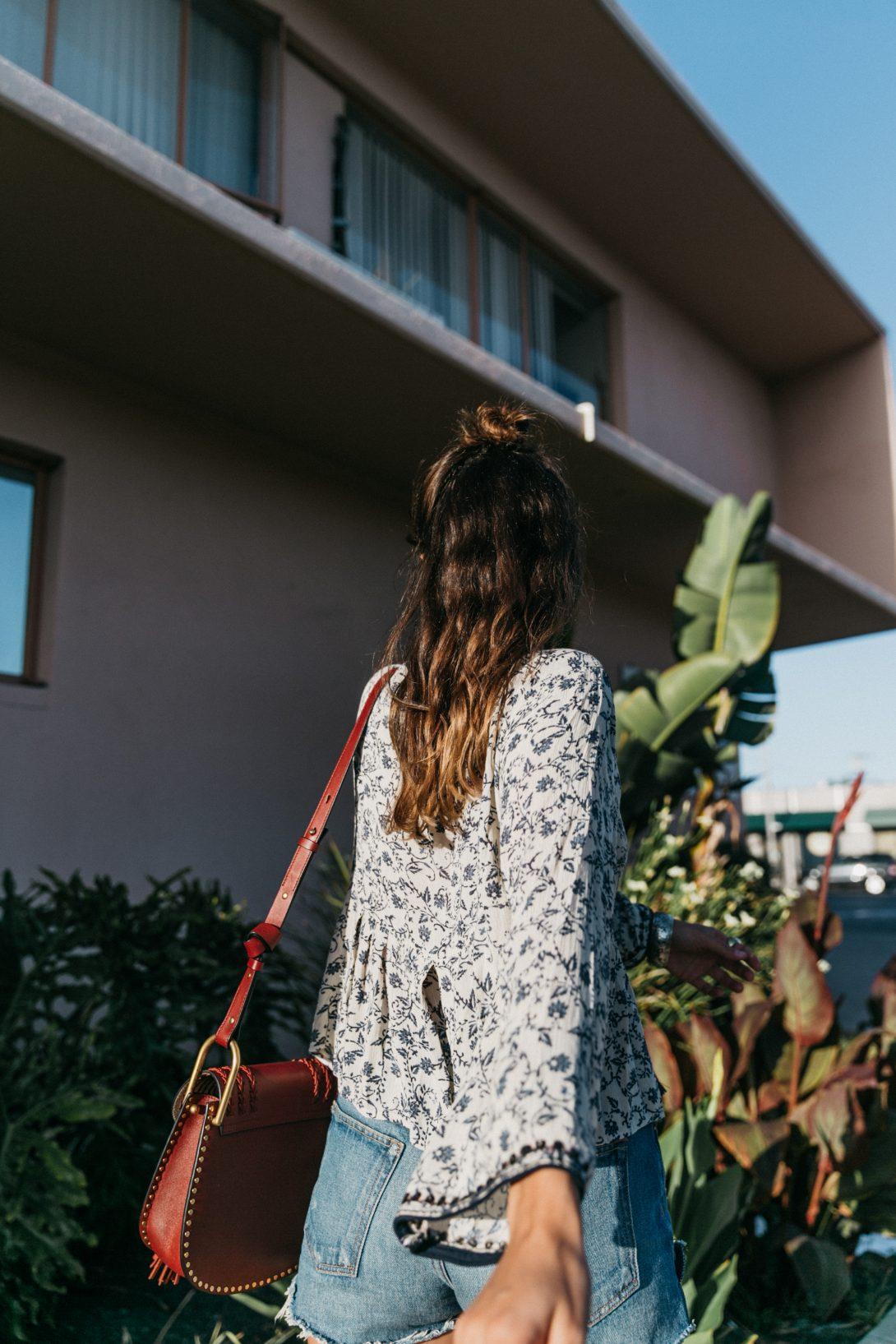 Boho_Top-GRFRND_Jeans-Chloe_Hudson_Bag-Espadrilles-Los_Angeles-Outfit-Collage_Vintage--23