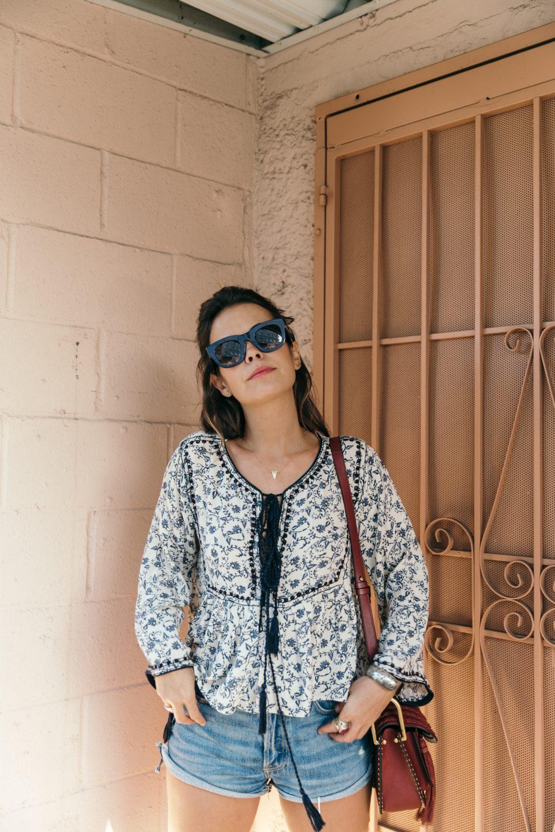 Boho_Top-GRFRND_Jeans-Chloe_Hudson_Bag-Espadrilles-Los_Angeles-Outfit-Collage_Vintage--37