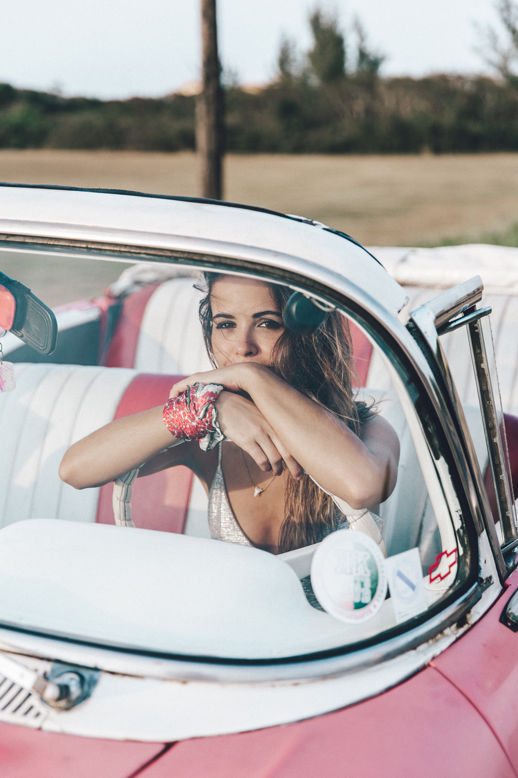 Cuba-Varadero-Vintage_Car-Silver_Dress-Floral_Scarf-Isabel_Marant_Sandals-Outfit-COllage_On_The_Road-66