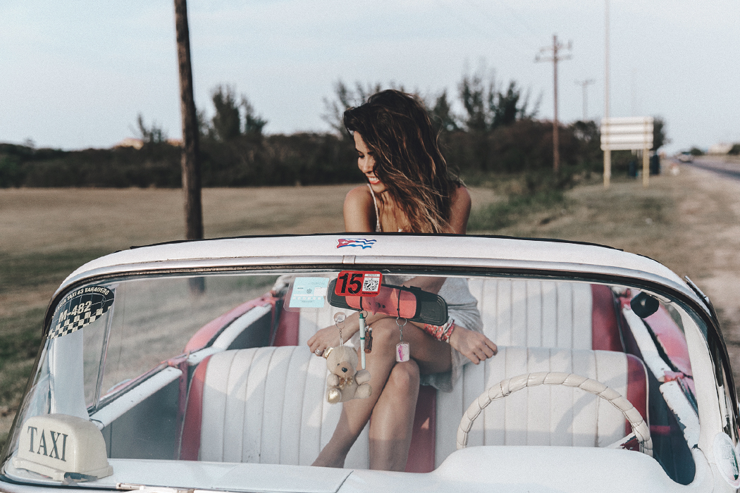 Cuba-Varadero-Vintage_Car-Silver_Dress-Floral_Scarf-Isabel_Marant_Sandals-Outfit-COllage_On_The_Road-67